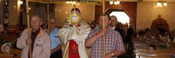 Procesja eucharystyczna i błogosławieństwo dzieci